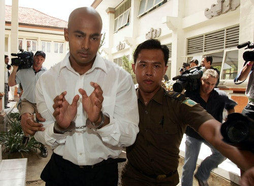 Myuran Sukumaran of Australia arrives at a Denpasar courtroom in Bali