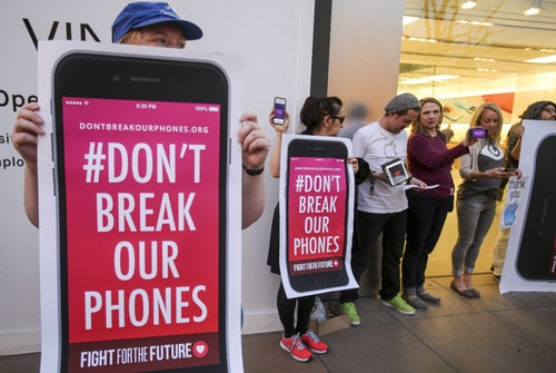 Rally in support of data privacy outside the Apple store