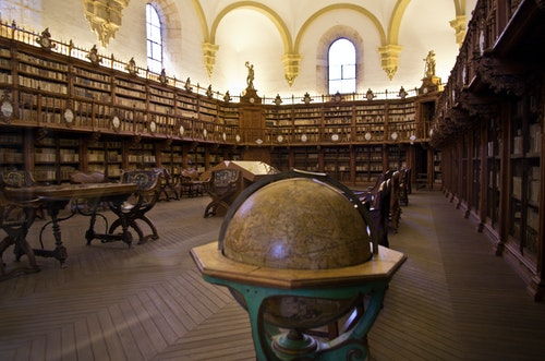 Old_Library_in_University_of_Salamanca_0